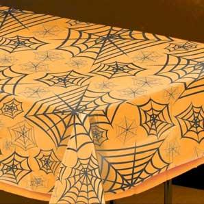 Borddug med spindelvæv