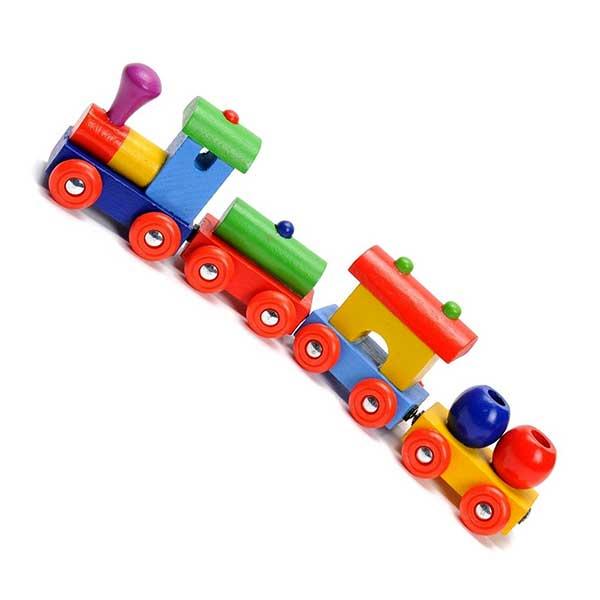 legetøjstog i træ med magneter